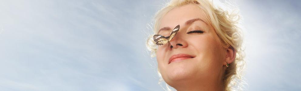 Ein Schnupfen bringt unsere Nase ganz schön aus dem Gleichgewicht. Die Nasenschleimhaut wird spröde, wund und rissig. Jetzt braucht sie die richtige Pflege. Dafür sind Nasensprays mit Dexpanthenol bestens geeignet. Gepflegt durchatmen Ist die Nasenschleimhaut gereizt, haben Viren und Bakterien […]